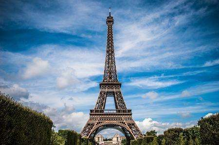 jf/f/couple : je propose séjour à paris